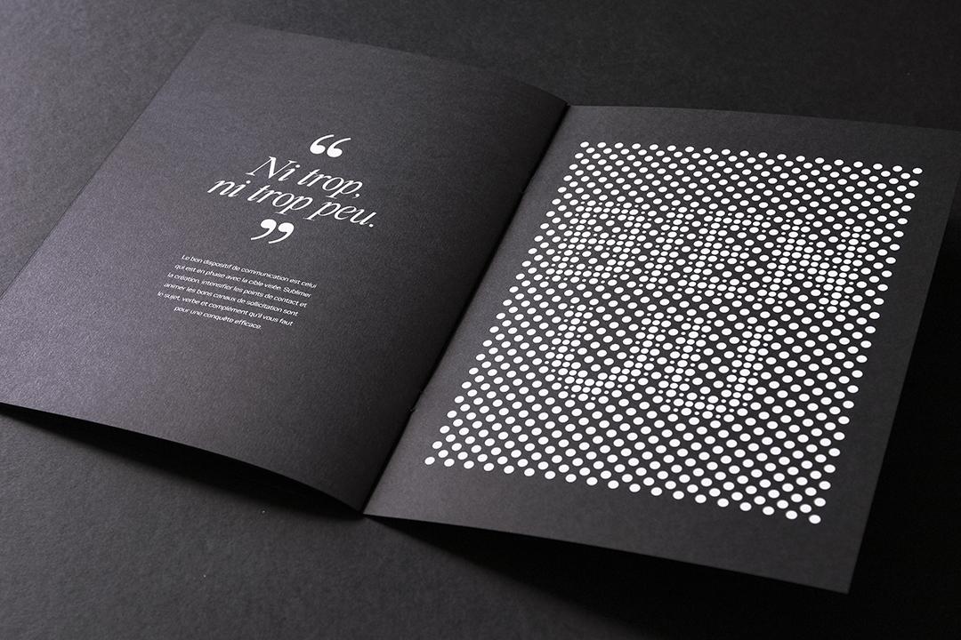 Livret de présentation sur papier noir
